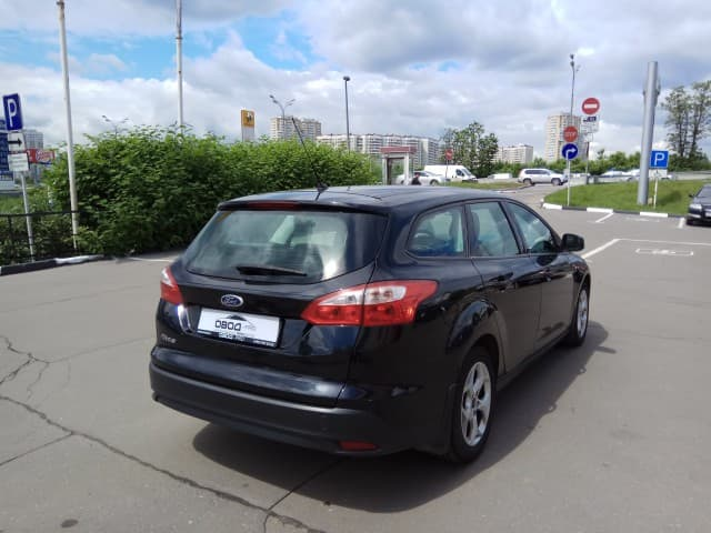 Ford Focus III 5